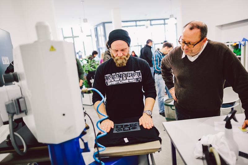 Shop-Partner Martin in der Spreadshirt T-Shirt-Werkstatt
